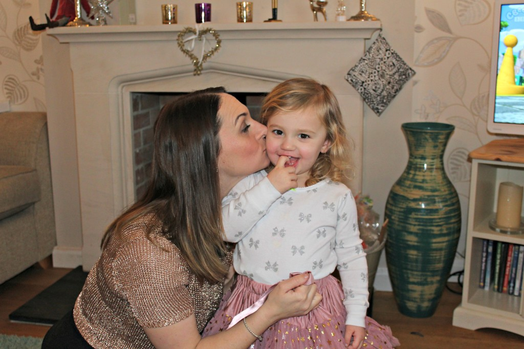 Mummy and Katie kisses